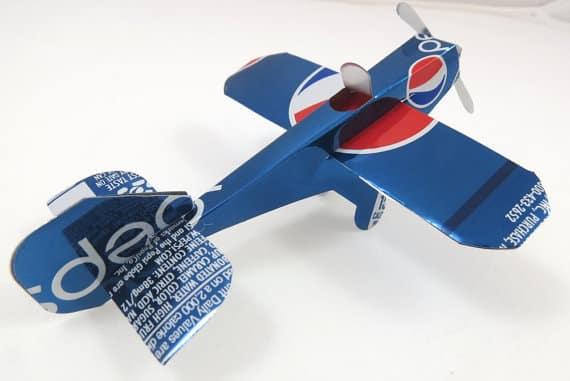 brinquedos com material reciclado educação infantil