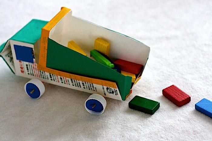fotos de brinquedos reciclados