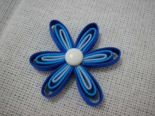 Passo a passo flor de tecido (Foto: Divulgação).