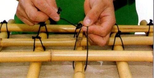 artesanato de bambu para jardim:Fazendo artesanato com bambu (Foto: Divulgação).