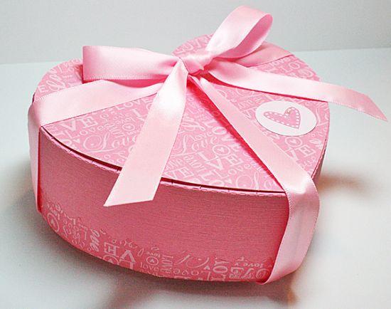 A caixinha surpresa para o dia dos namorados é ótima opção de presente (Foto: Divulgação)