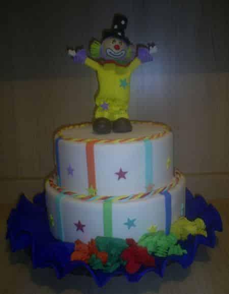 Este bolo falso de Eva fará tanto sucesso quanto um bolo convencional (Foto: Divulgação)