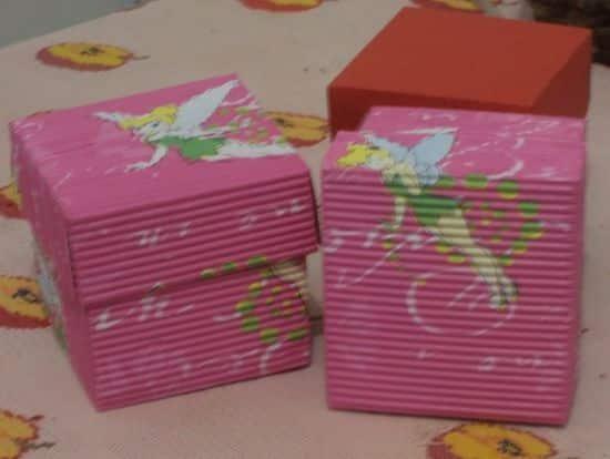 A caixa de papel micro-ondulado pode ser usada com todos os tipos de presentes (Foto: Divulgação)