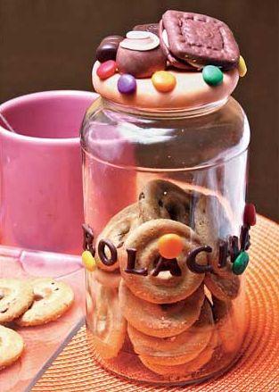 Fazer pote de biscuit é muito fácil, basta um pouco de experiência em trabalhar com massa de biscuit (Foto: Divulgação)