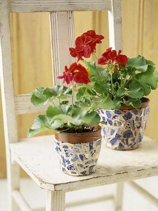 Este vaso em mosaico vai repaginar a sua decoração e pode também virar renda extra (Foto: Divulgação)