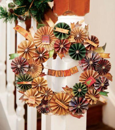 Esta guirlanda de Natal de papel é barata, fácil de ser feita, mas deixará sua casa com visual muito interessante (Foto: Divulgação)