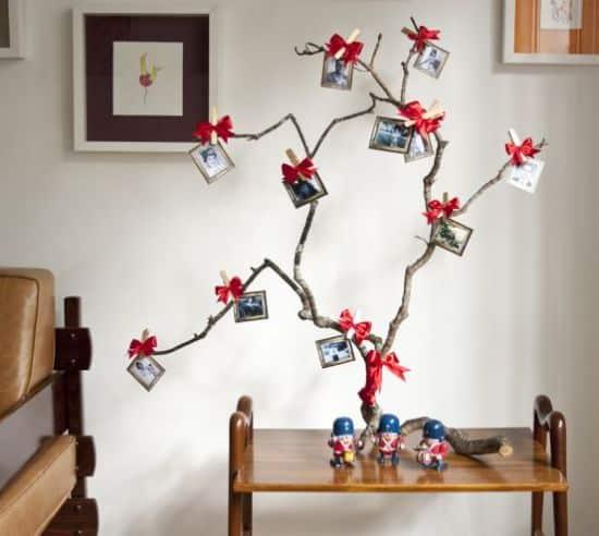 Há muitas opções para fazer uma árvore de Natal artesanal, até mesmo opções mais baratas (Foto: Divulgação)