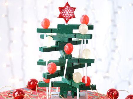 Esta árvore de Natal com doces arrancará elogios não só das crianças, mas também dos adultos (Foto: Divulgação)