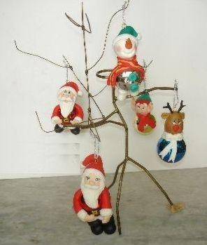 Este artesanato de Natal em biscuit deixará sua árvore muito mais diferenciada (Foto: Divulgação)