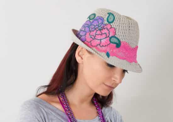 Este chapéu decorado para o carnaval é ótimo também para encarar o verão (Foto: Divulgação)
