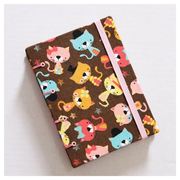capa de caderno colorido