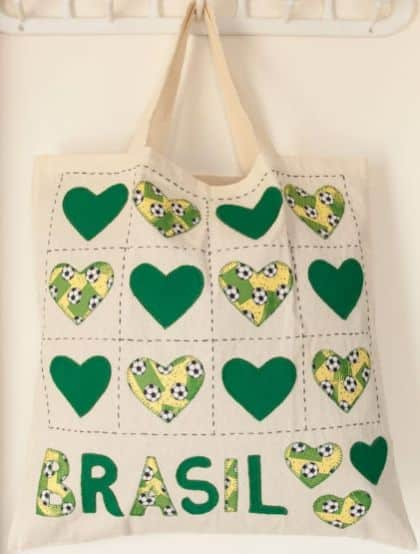 Esta ecobag para Copa do Mundo é linda e fará você receber muitos aplausos (Foto: Divulgação)