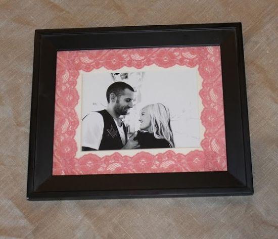 O porta-retrato personalizado para dia dos namorados é uma ótima alternativa para uma lembrancinha romântica e interessante (Foto: Divulgação)