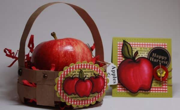 Esta cestinha de papel é muito fácil de ser feita e decora com bom gosto qualquer cantinho (Foto: thepinkelephantchallenge.blogspot.com.br)