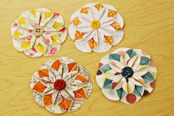 Esta flor de papel e botões pode ser aplicada em qualquer lugar de sua casa ou festa (Foto: whimsicalworldoflaurabird.blogspot.com.br)