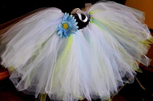 Este tutu de bailarina feito por você pode ser usado por sua menina para você montar um álbum fotos divertidas ou para festas à fantasia (Foto: bebehblog.com)