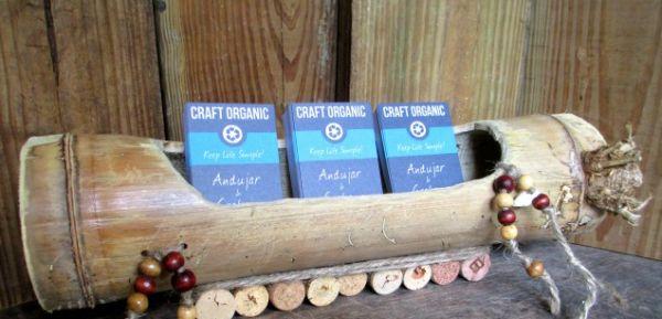 Este porta-cartão de bambu vai deixar a sua vida mais organizada e a decoração de sua casa mais bonita (Foto: craftorganic.com)