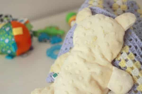 Sua criança irá adorar este ursinho naninha e terá lindos sonhos com o auxílio dele (Foto: cookcleancraft.com)