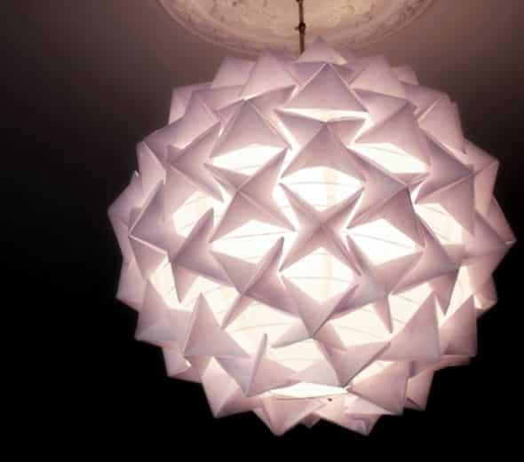 Faça esta luminária de origami e enfeite o seu ambiente de forma primorosa (Foto: crafts.tutsplus.com)