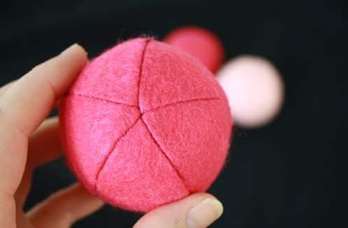 Com estas esferas de feltro você pode fazer vários artesanatos diversos (Foto: tallystreasury.com)
