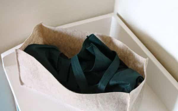 Faça vários deste organizador de feltro e deixe a sua rotina mais prática, com todas as suas peças sempre à mão (Foto: sewing.craftgossip.com)