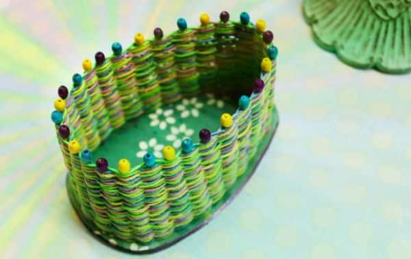 Se você está buscando uma peça diferente faça uma cesta com corda (Foto: myhempcraft.com)