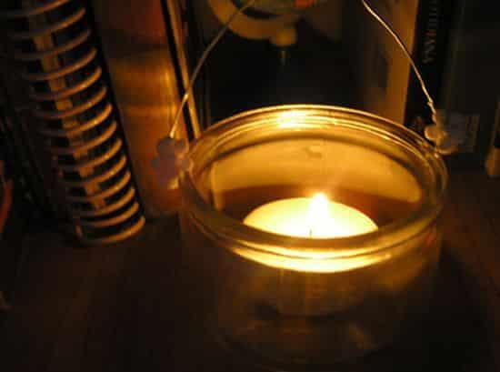 Lanternas com velas são lindas e bem baratas (Foto: superziper.com)