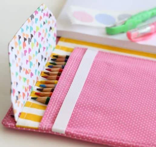 Este estojo para lápis em tecido pode também ser usado para guardar outros itens (Foto: lbg-studio.com)