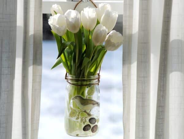 Decorar potes de vidro vazios é mais fácil do que você imagina (Foto: gardenmama.typepad.com)