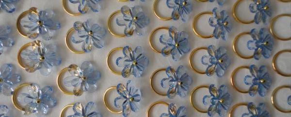 Estes enfeites para guardanapo são lindos, mas muito fáceis de serem feitos (Foto: fuxicosecia.wordpress.com)