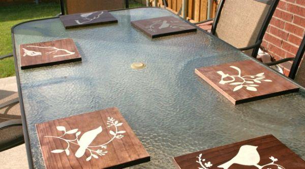 Jogo americano de madeira é diferente e muito interessante (Foto: mudpiestudio.blogspot.com.br)