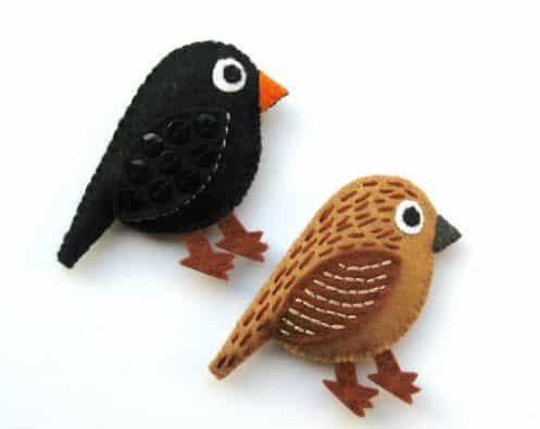 Este passarinho de feltro é lindo, mas muito fácil de ser feito (Foto: bugsandfishes.blogspot.com.br)