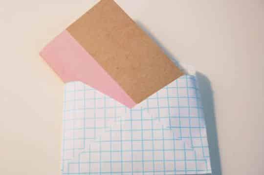 Este bloco de notas artesanal é lindo, útil e muito barato de ser feito (Foto: comofazeremcasa.net)