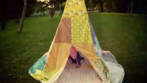Faça esta cabaninha de tecido para as crianças e receba muitos elogios (Foto: minhasinger.com.br)
