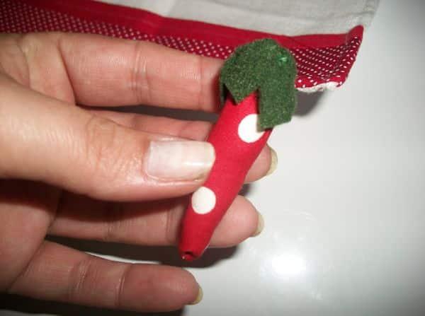 Pimentinha de tecido pode ser aplicada onde você quiser (Foto: chaodegizartesanatos.blogspot.com.br)