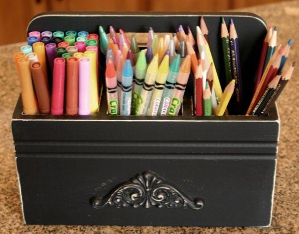 Personalizar um porta-canetas vai trazer beleza e funcionalidade ao seu dia a dia (Foto: mudpiestudio.blogspot.com.br)