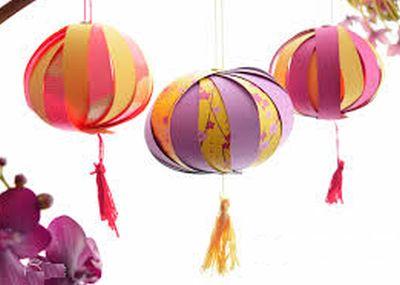 Bolas chinesas de papel podem decorar qualquer ambiente (Foto: madame-citron.fr)
