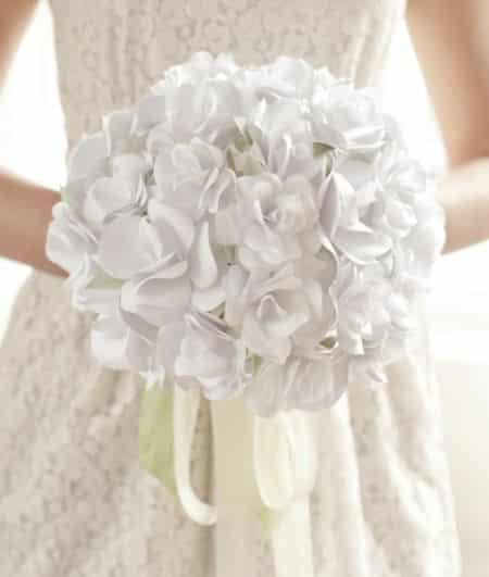 Buquê de flores de papel é lindo e delicado (Foto: elli.com)