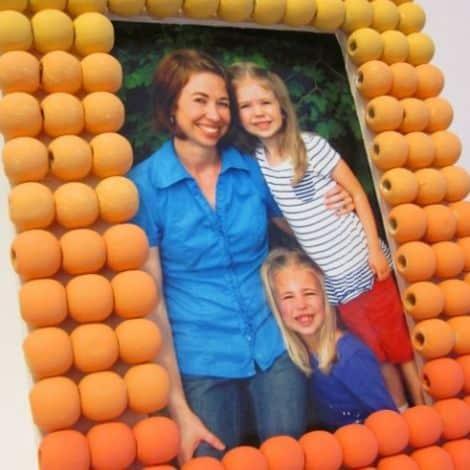Como Decorar Porta-Retrato com Contas de Madeira
