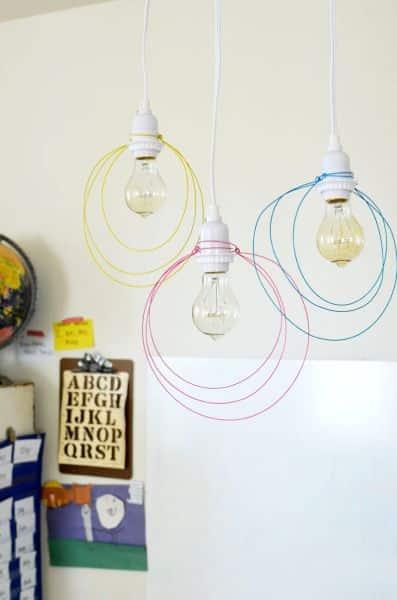 Este artesanato com arame galvanizado é simples, mas muito charmoso (Foto: abeautifulmess.com)