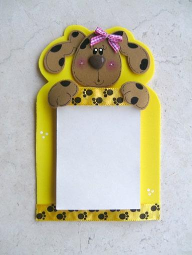 Este lindo bloco de anotações em EVA também é ótima opção de presente (Foto: vaniartecomamor.blogspot.com.br)