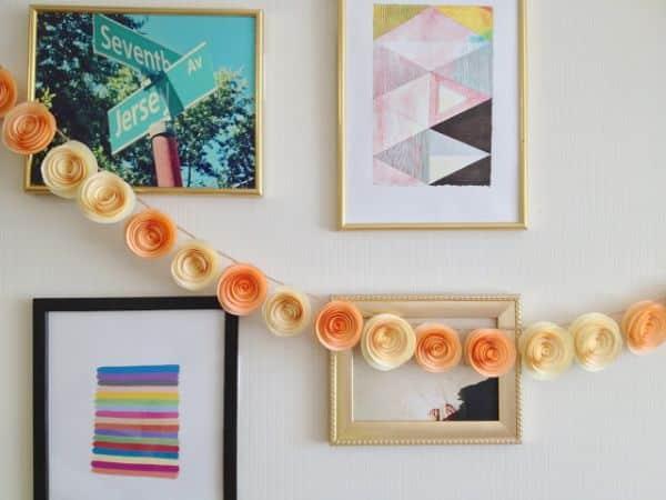 Decoração com flores de papel também pode assumir vários estilos diferentes (Foto: thelovelynest.com)
