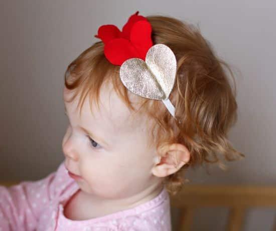 Headband para bebê é fofo e deixa a menina mais bonitinha (Foto: everyday-reading.com)