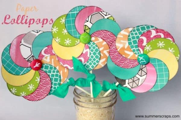 Pirulito colorido de papel também pode ser o personagem principal da decoração de uma festinha de aniversário (Foto: summerscraps.com)