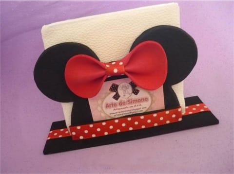 Porta-guardanapo da Minnie em EVA é fácil de fazer e faz a sua festa ficar mais charmosa (Foto: inspiresuafesta.com)