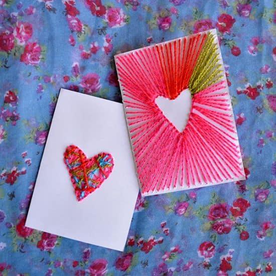 Decorar cartões com linhas é muito divertido (Foto: dreamalittlebigger.com)