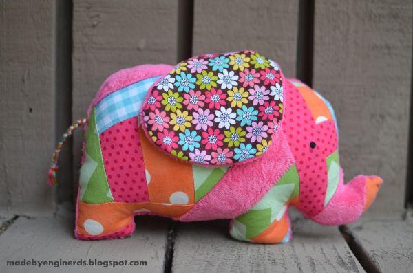 Este elefante de tecido é fofo e vai fazer o maior sucesso (Foto: madebyenginerds.blogspot.com.br)