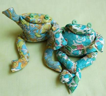 Este divertido sapinho de tecido faz sempre o maior sucesso (Foto: purlbee.com)
