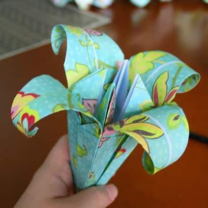 Como Fazer Lírios de Origami Passo a Passo