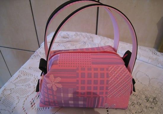 Ganhe um bom dinheiro comercializando esta bolsa de EVA com alça (Foto: ateliekreateva.com.br)